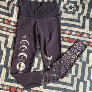 Onzie Pants - Onzie las lunas high rise leggings S/M